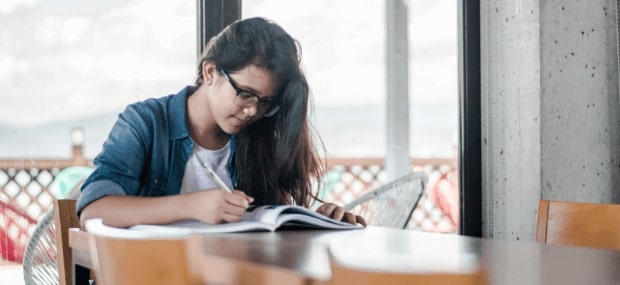International Indian student in Australia is researching her English test options so that she can study a cheap course at a college in Australia, Sydney.